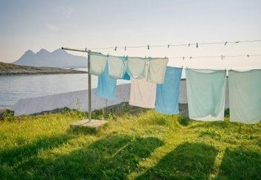 朝干した洗濯物を、夕方とりこむ幸せ